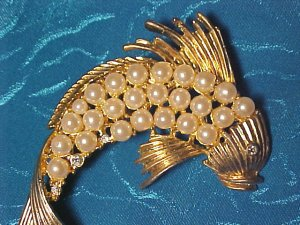 Faux Pearl & Rhinestone Flying Fish Pin ~ Vintage