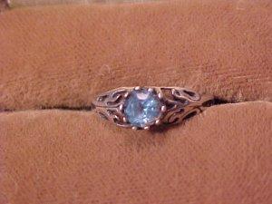 Elegant Topaz Blue Fashion Ring ~ Sz 6