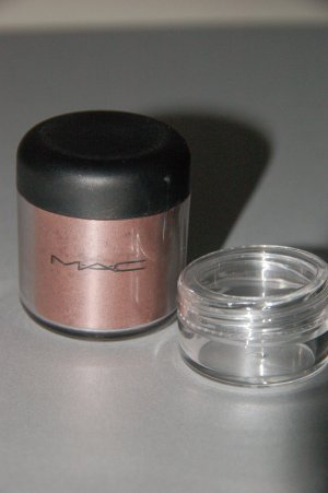 """MAC Pigment Samples """"Gold Stroke""""  Antiquitease Collection!!"""