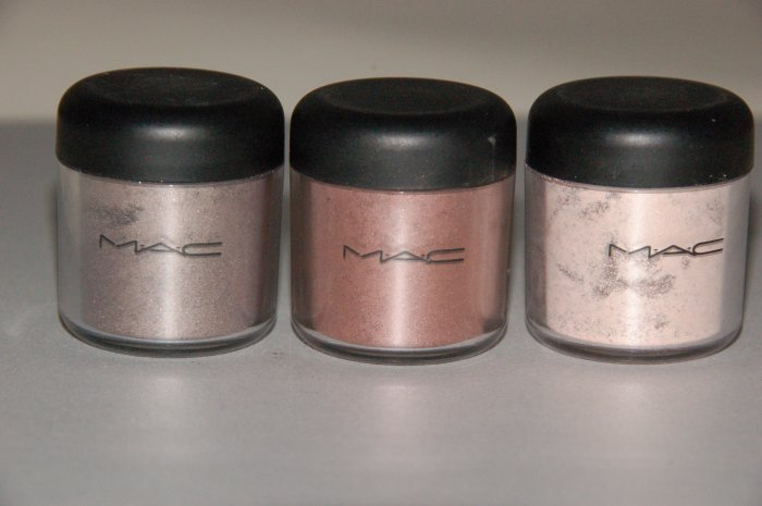 "MAC Pigment Sample Lot ""Antiquitease Holiday Collection"""