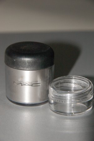 "MAC Pigment Samples ""Platinum""  Pro Metal Color"