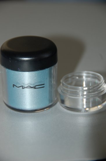 "MAC Pigment Samples  ""Azreal Blue""  ~RARE/LE~"
