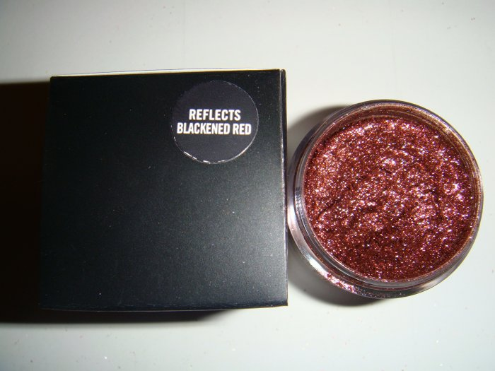 "MAC Reflect Glitter sample ""Reflects Blackened Red"" Metal Urge"