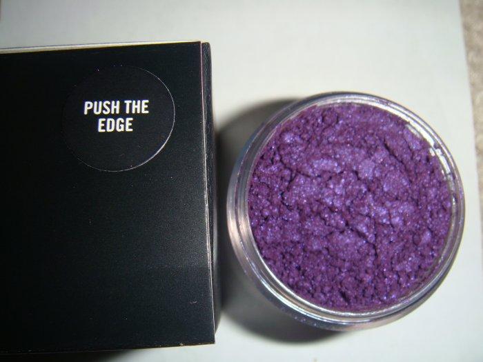 Push the Edge* MAC Makeup Art Collection 1/4 tsp. sample