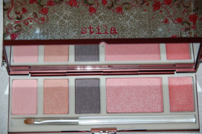 Stila Scarlett's Deluxe Palette ~   BRAND NEW In Box  ~