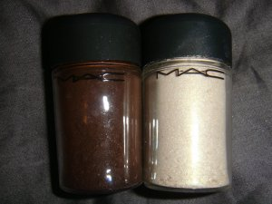 "MAC ""Universal Mix"" Limited Edition 2010 1/4 tsp."