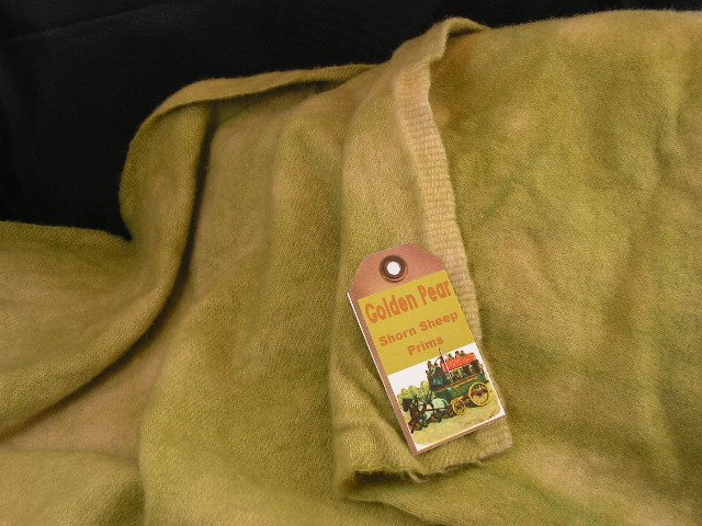 GOLDEN PEAR - Hand Dyed Rug Hooking Wool with Lanolin - Shorn Sheep Prims - Free US ship