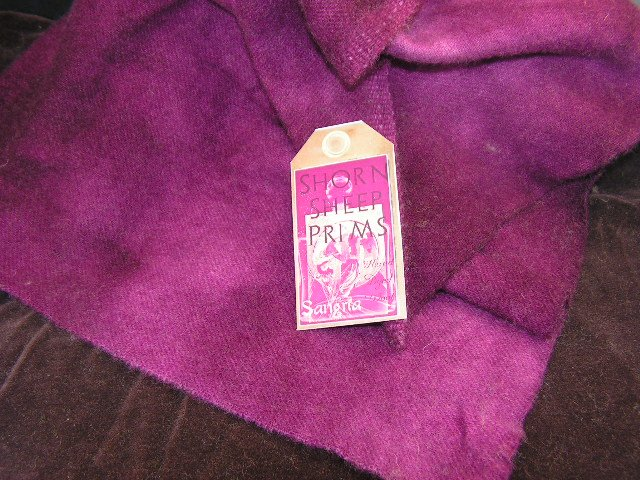 SANGRIA - BERRY WINE -Hand Dyed Lanolin Wool-Rug Hook, Quilt, Penny Rug-Shorn Sheep-Free US Ship
