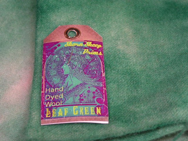 LEAF GREEN - Hand Dyed Lanolin Wool - Rug Hook, Quilt, Penny Rug - Shorn Sheep - Free US Ship
