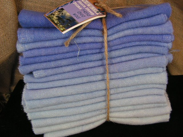 PERIWINKLE 16 STEP GRADATION - 1 YD - Hand Dyed Wool - Rug Hook - Shorn Sheep - Free US Ship