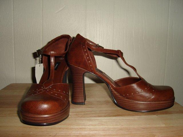Brown Retro Vintage Rockabilly  Pin Up Style Heels
