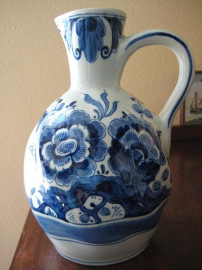 1953 Plateelbakkerij Zuid-Holland PZH Delft 7-in Tall Pitcher