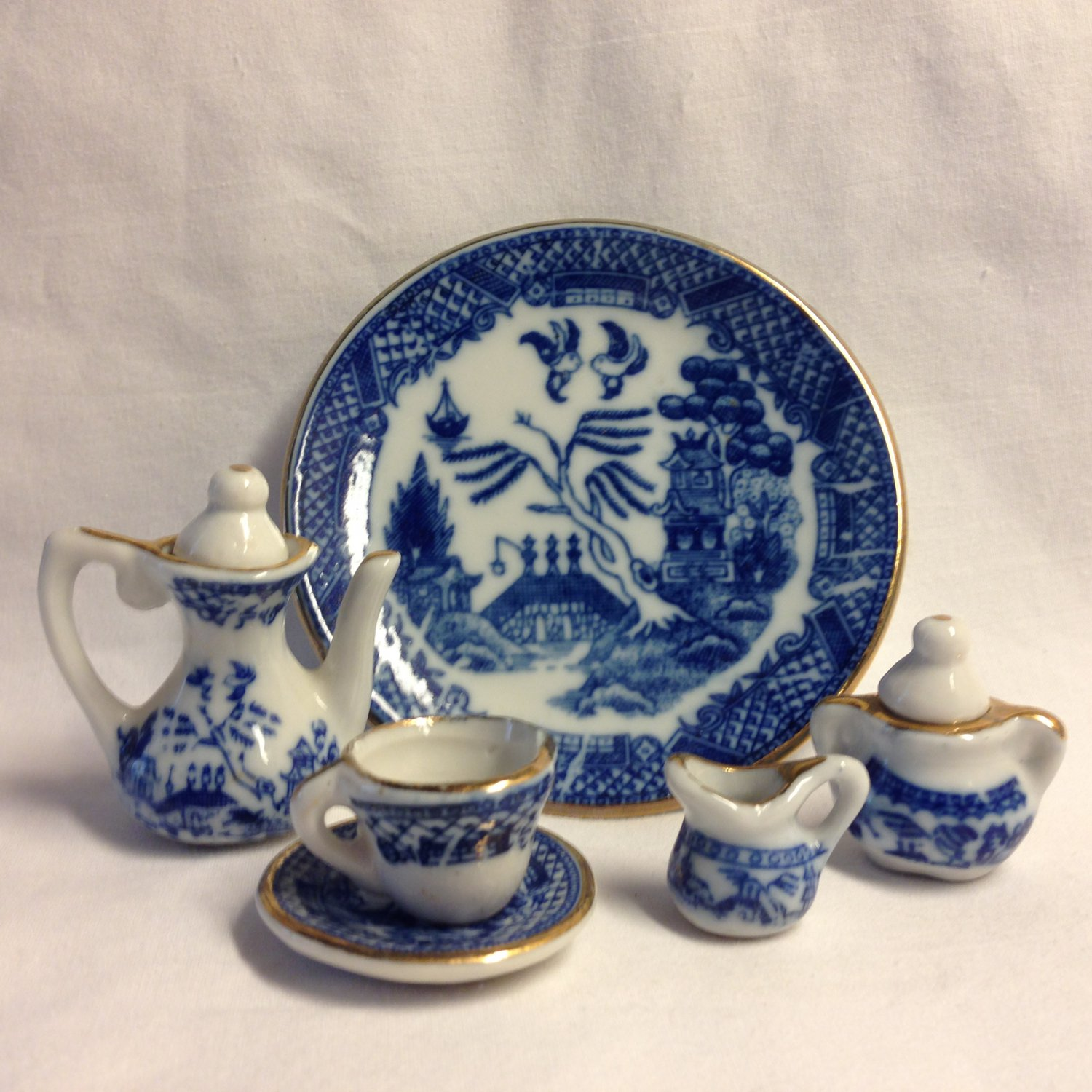 Blue Willow Miniature Doll House Tea Set