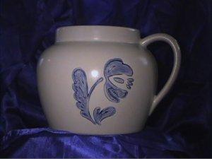 REDUCED Pfaltzgraff Yorktowne Bean Pot,  No Lid, Excellent Condition Pottery