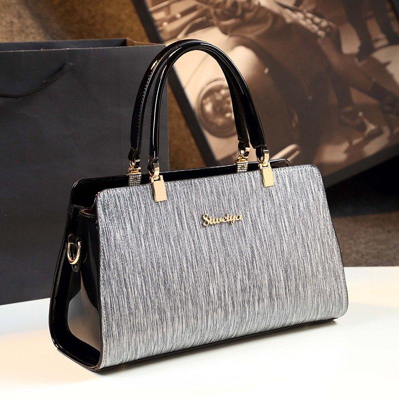 Mother Atmosphere Messenger Simple One Shoulder Leather Handbag
