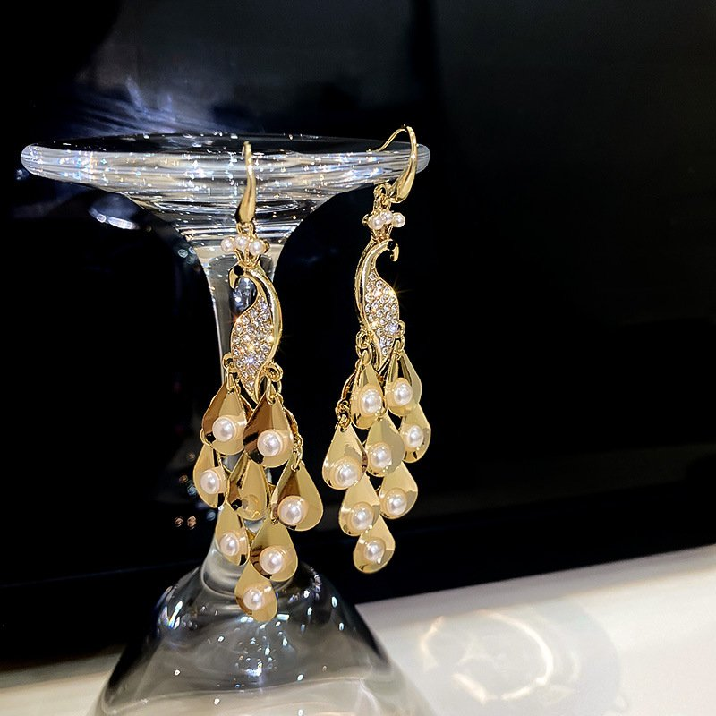 Exaggerated Peacock Pearl Earrings