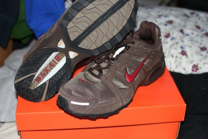 NEW Nike Air Max Running 10
