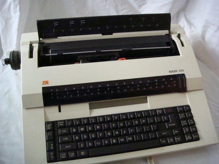 Adler Royal 310 Electronic Professional Typewriter