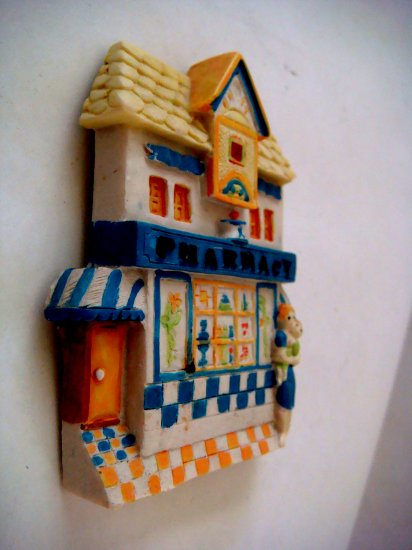 Miniature Plaster 3-D Pharmacy Shop + magnet