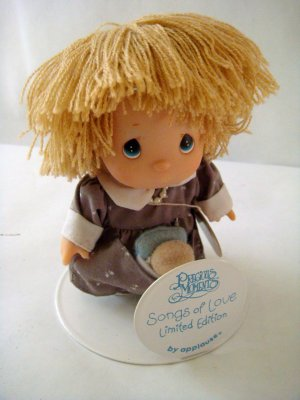 Precious Moments Blond Girl Songs of Love 1989 limited edition