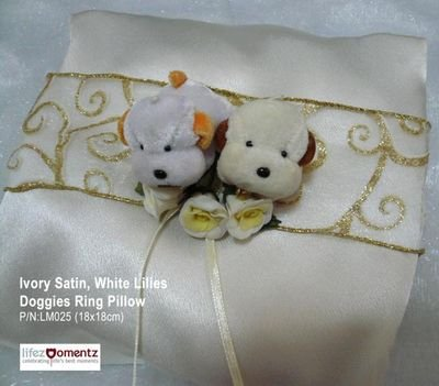 Ivory Satin, White Lilies Doggies Ring Pillow (LM025)