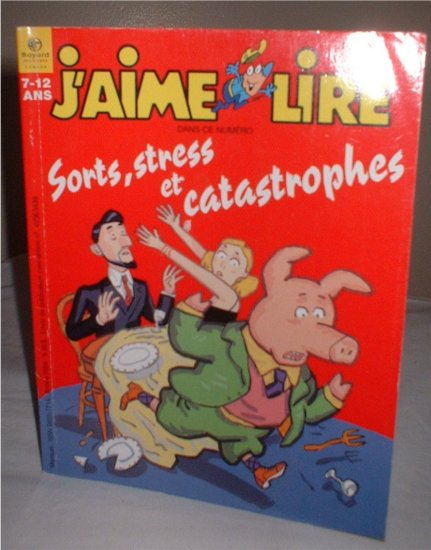 """French Cartoon comic language Book homeschool """"J'aime Lire"""" ages 7-12  INCLUDES SHIPPING"""