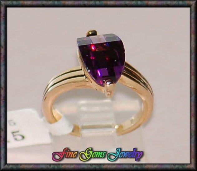 Unique Style Purple CZ Gold Plt Ring - Size 5