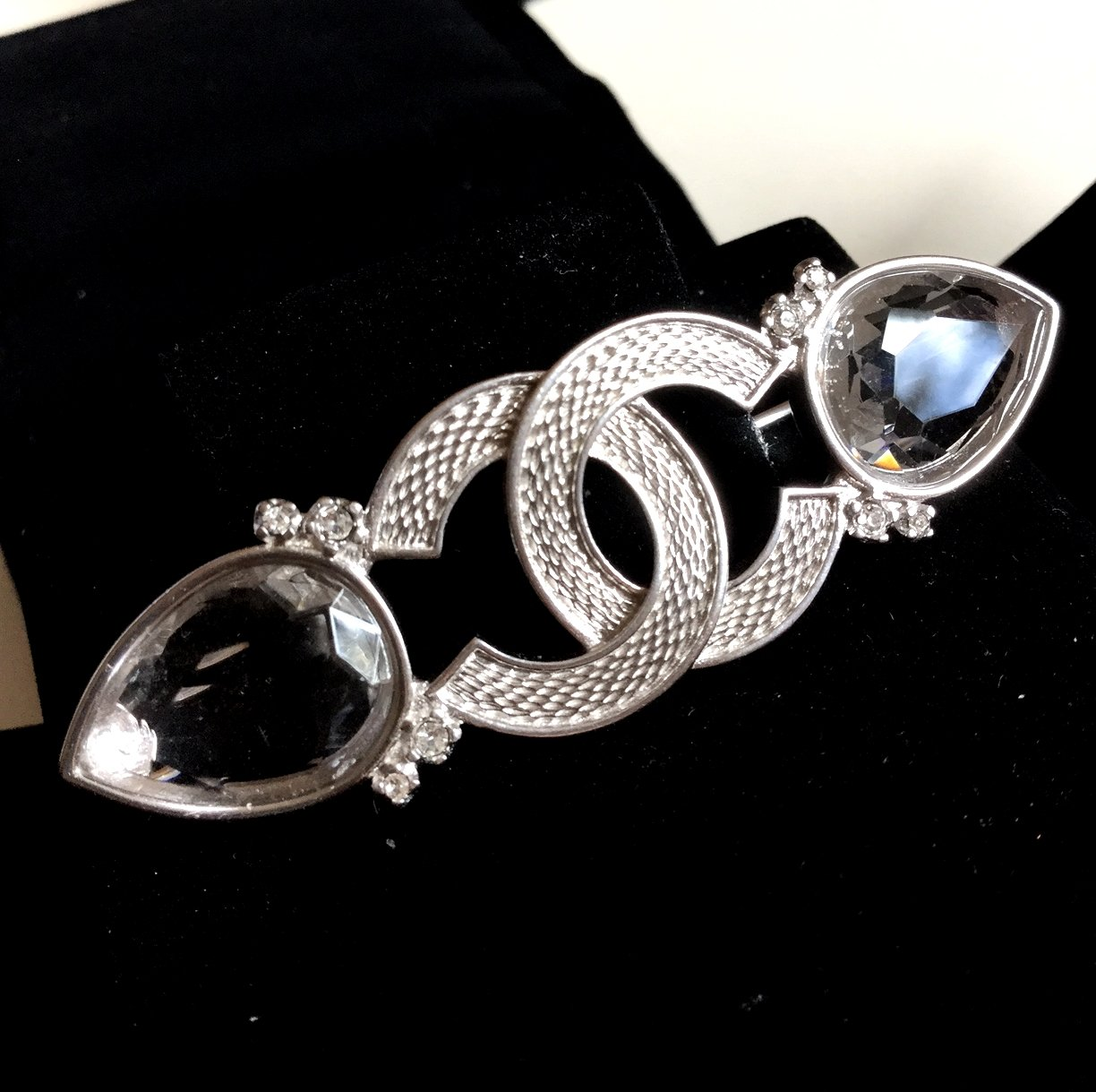CHANEL Tear Shape Clear Crystal Silver Brooch Pin CC Authentic HALLMARK