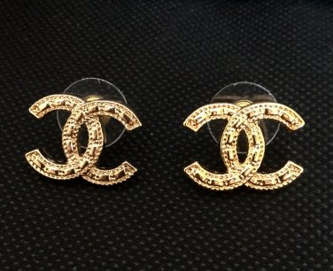 691f1063a CHANEL CC Stud Earrings Gold Patterned Basic Medium Size Hallmark NIB!