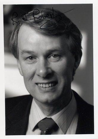1993 Nobel Medicine RICHARD J. ROBERTS Hand Signed Photo