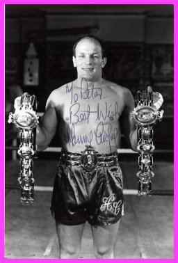 Heavyweight Boxing Champion Sir HENRY COOPER Hand Signed Photo 4x6