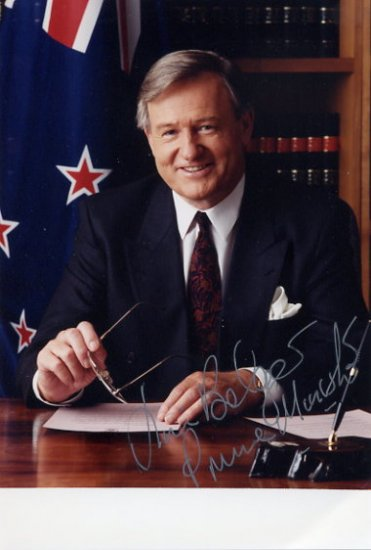 Former Prime Minister of New Zealand JIM BOLGER Hand Signed Photo