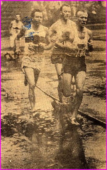 1956 Melbourne 3000m Steeplechase Olympian HEINZ LAUFER  Autograph 1957