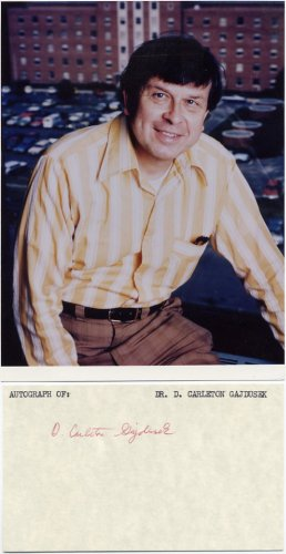 American Virologist 1976 Nobel Laureate DANIEL CARLETON GAJDUSEK  Autographed Card 1970s & Pict