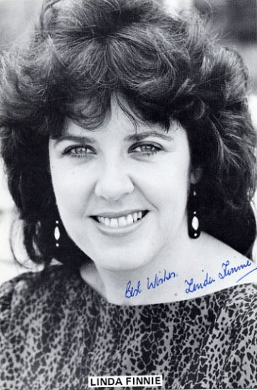 Scottish Mezzo-Soprano LINDA FINNIE Autographed Photo 4x6