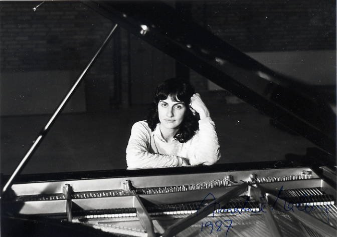 Danish Pianist AMALIE MALLING Hand Signed Photo 5x7 from 1987