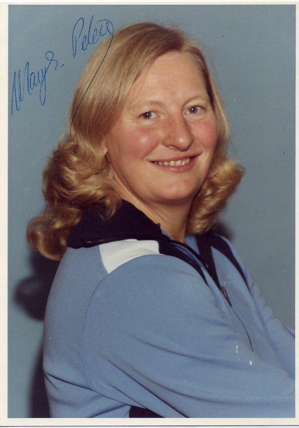 (T) 1972 Athletics Pentathlon Gold MARY PETERS Hand Signed Photo 4x6