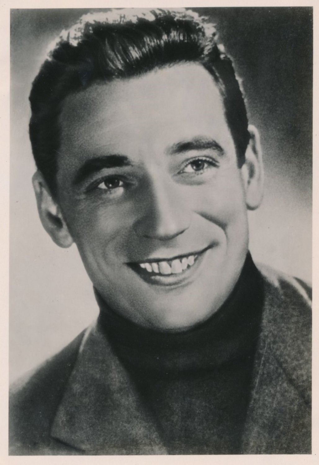 Actor & Singer YVES MONTAND Hand Signed Soviet Photo Card from 1956 SCARCE!