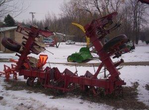 Hiniker Y-Fold 6 Row Hydraulic Cultivator