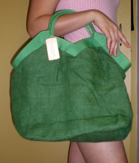 FOREVER 21 Green Tote Bag w Heart shaped opening
