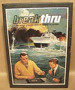 BREAKTHRU 3M BOOK SHELF GAME Double Strategy Game of Evasion