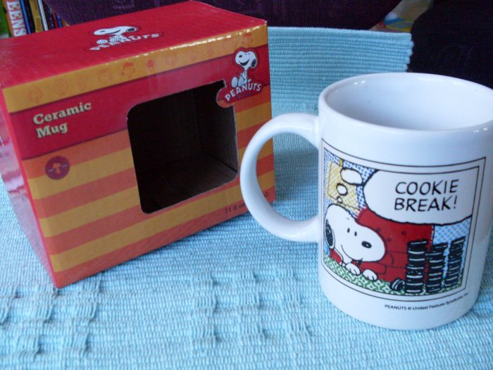 NEW Peanuts Snoopy Cookie Break Boxed Mug