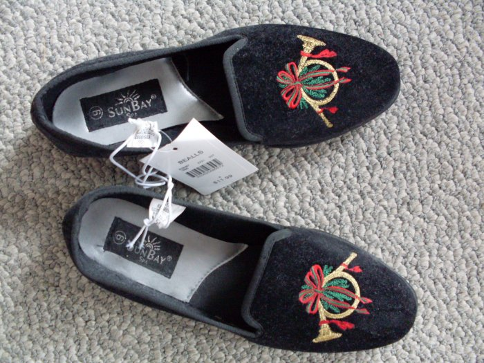NEW Christmas Shoes Size 6 Black Flat Holiday Horns NWT