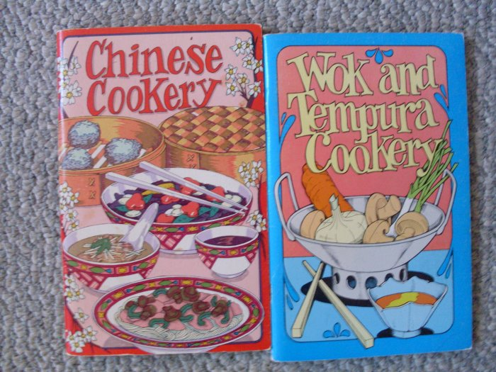 Lot 2 Potpourri Press Cookbooks Wok Chinese Cooking & Tempura