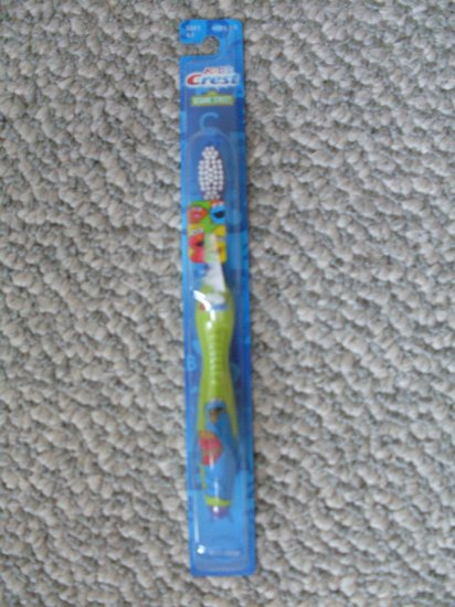 NEW kids Sesame Street Cookie Monster Toothbrush age1-5