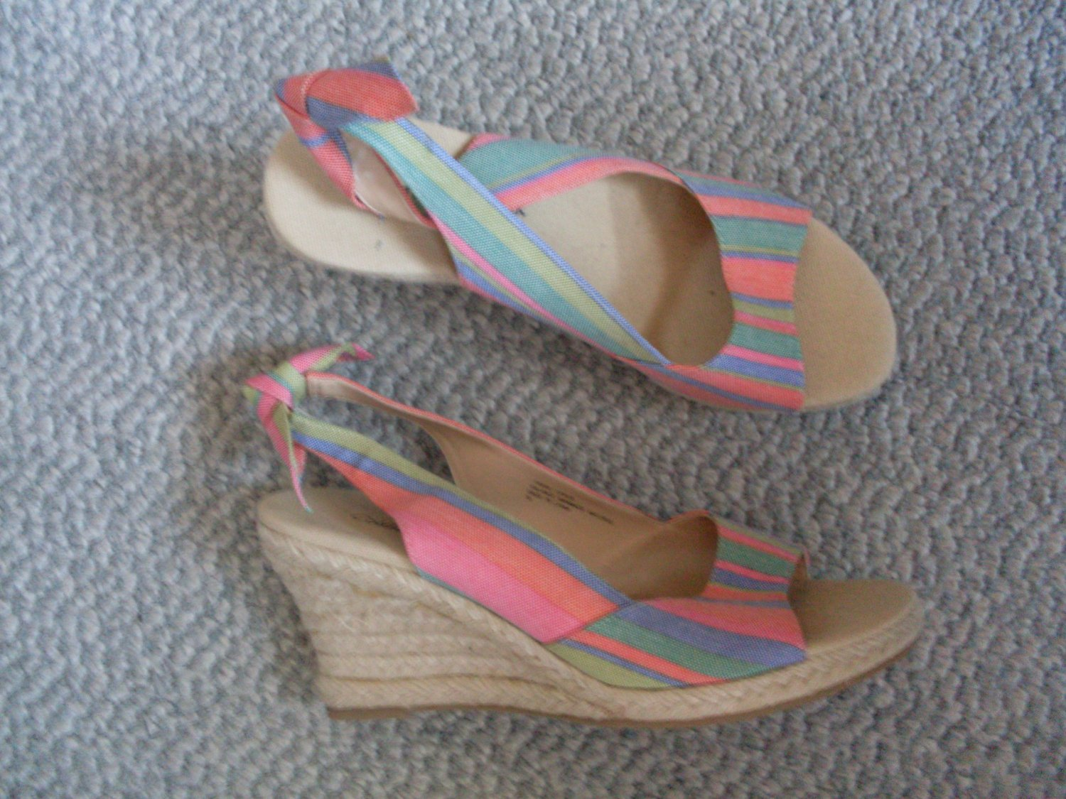 NEW Women Size 7 Coldwater Creek Wedges Sandals