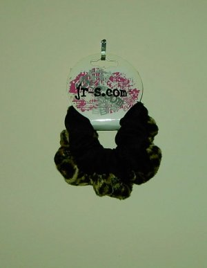 Set of 2 Hair Scrunchies by jr-s.com Ponytail holder Leopard faux fur