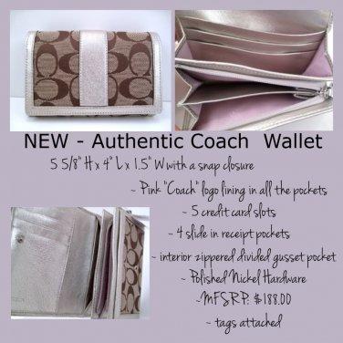NWT COACH 40199 Hampton Signature Compact Clutch Wallett Khaki with Silver