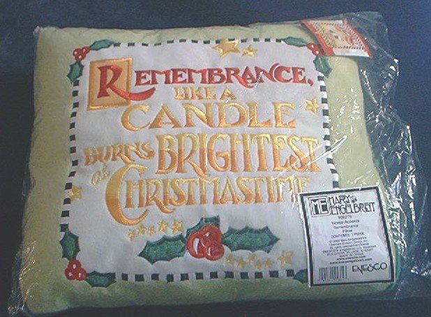 MARY ENGELBREIT ENESCO REMEMBRANCE CHRISTMAS PILLOW ~ MINT~unused