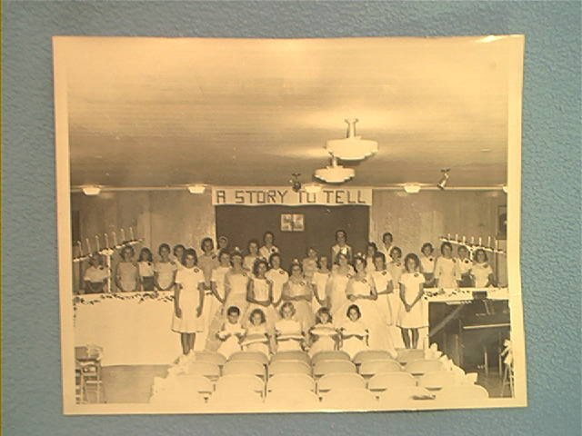 VINTAGE PHOTOGRAPH ~c.1960's~YOUNG GIRLS' SCHOOL OR CHURCH CLASS ~8 X10 ~black and white
